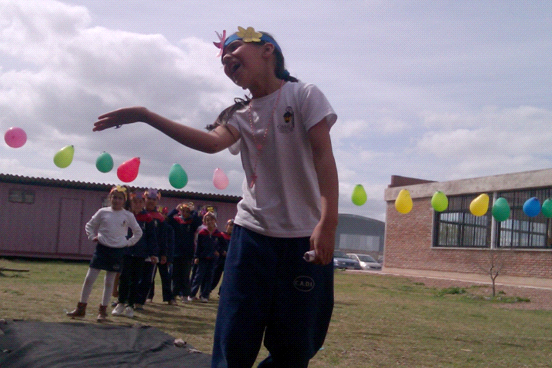 Desfile de la primavera de la mano del Club de Niñas.