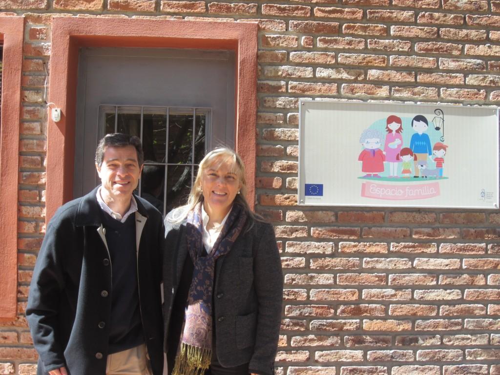 Ernesto Talvi junto a la directora Laura Zanolli.